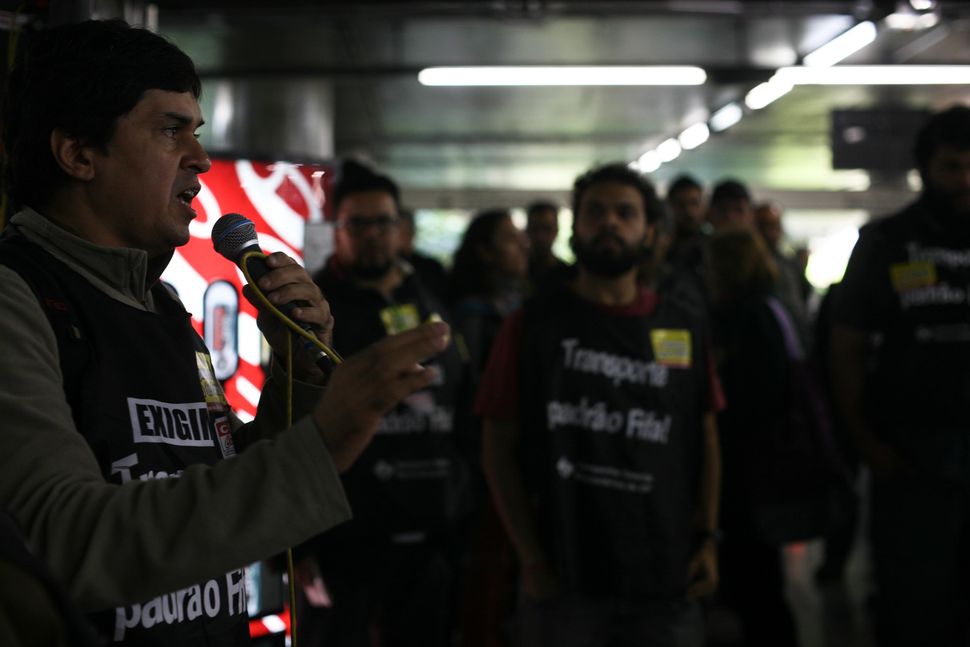 Manifestação dos metroviários de São Paulo na Estação Sé do Metrô, com saída dos trabalhadores que ficaram em frente a categral