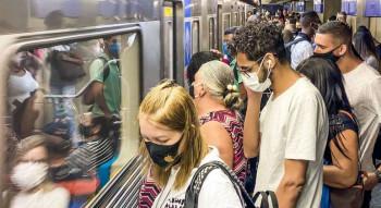 passageiros-plataforma-estacao-luz-sao-paulo-sp-transporte-metro-12042021165825101
